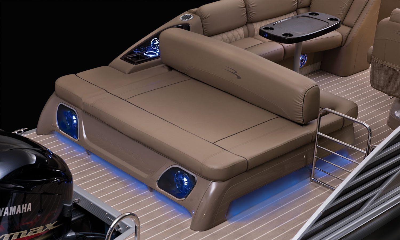 R23 swingback pontoon boats by bennington for Pontoon boat interior designs