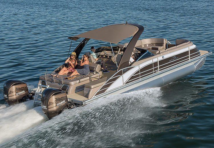 Q Series Luxury Pontoon Boats By Bennington