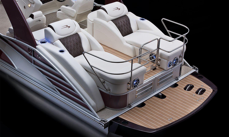 Q25 Io Sport Arch Pontoon Boats