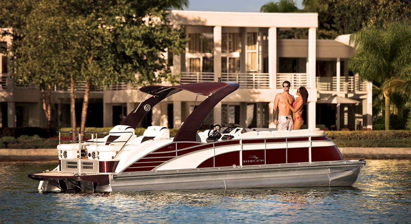 q series luxury pontoon boats by bennington