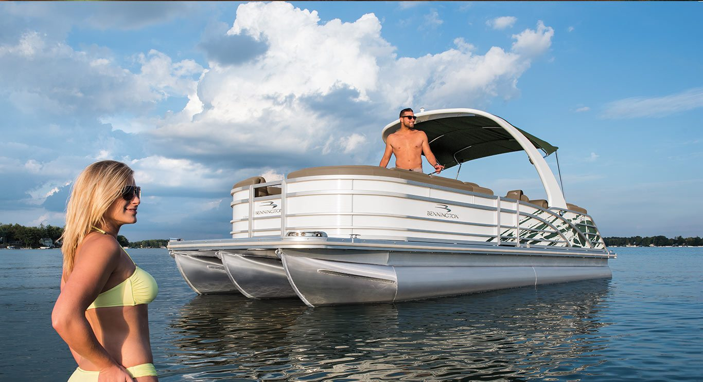 Pontoon boats with bathroom for sale - R Series Pontoons