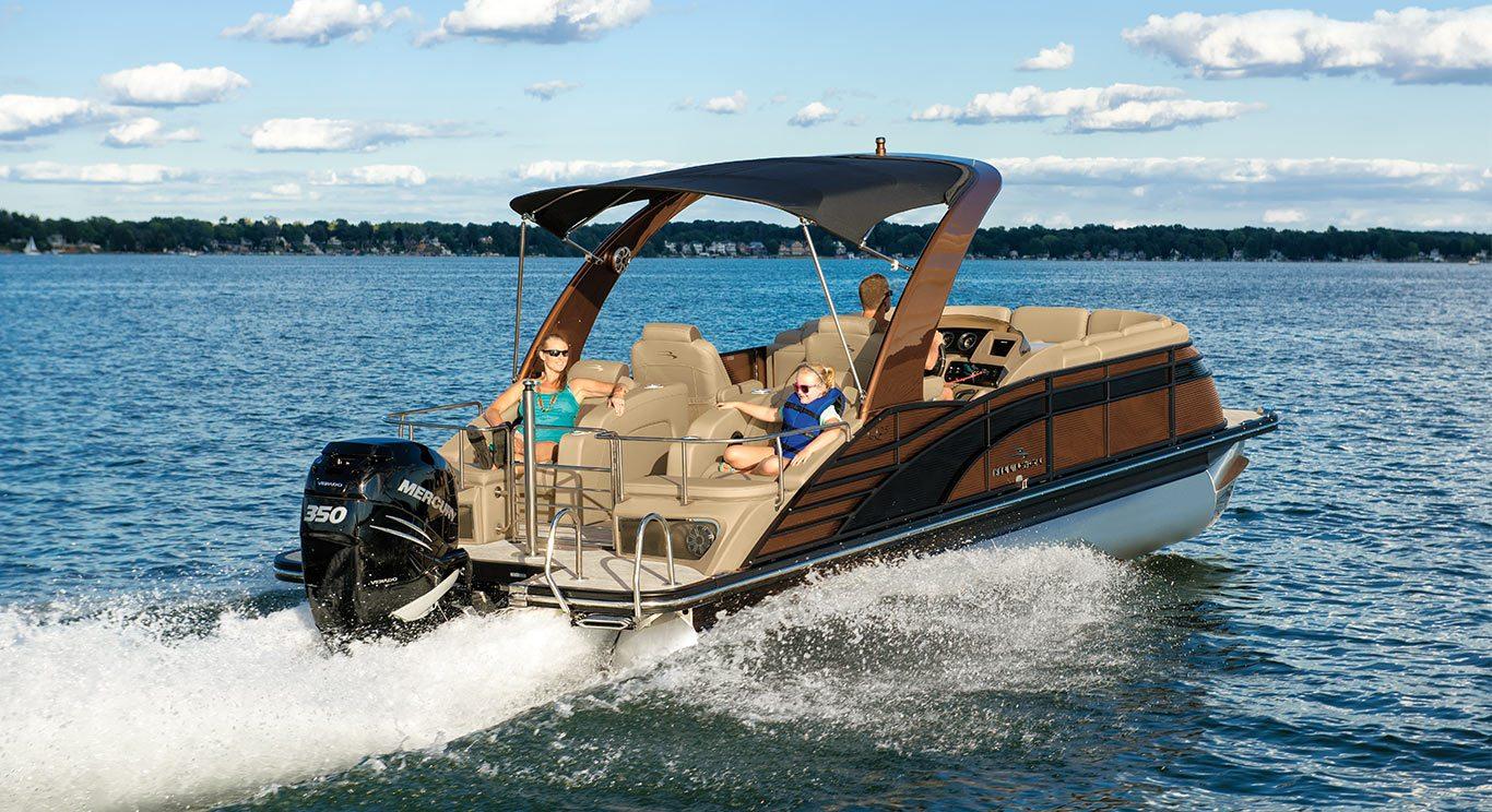 2017 Q25 Sportback Stern Lounge Pontoon Boats