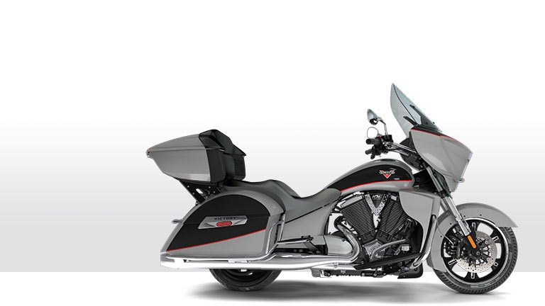 cross-country-tour-silver-black
